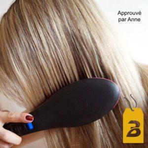 Anne et sa brosse à cheveux lissante chauffante bigchicdeal
